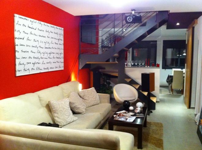 Salon moderne noir et blanc 2015 avec des id es int ressantes - Deco salon rouge et noir ...