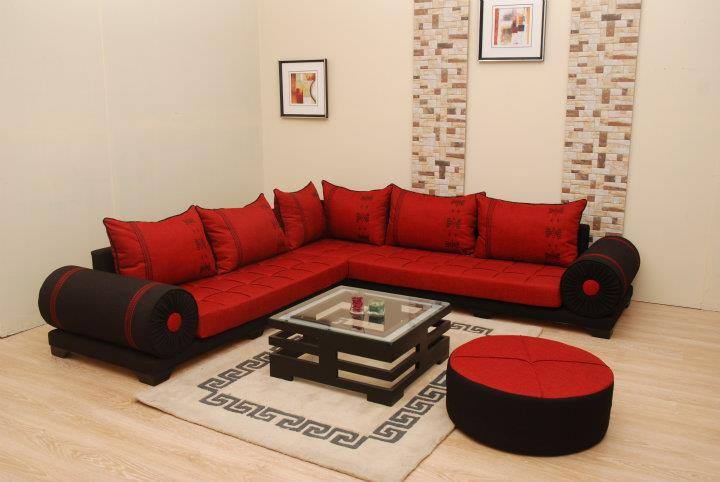 deco salon moderne rouge avec des id es. Black Bedroom Furniture Sets. Home Design Ideas